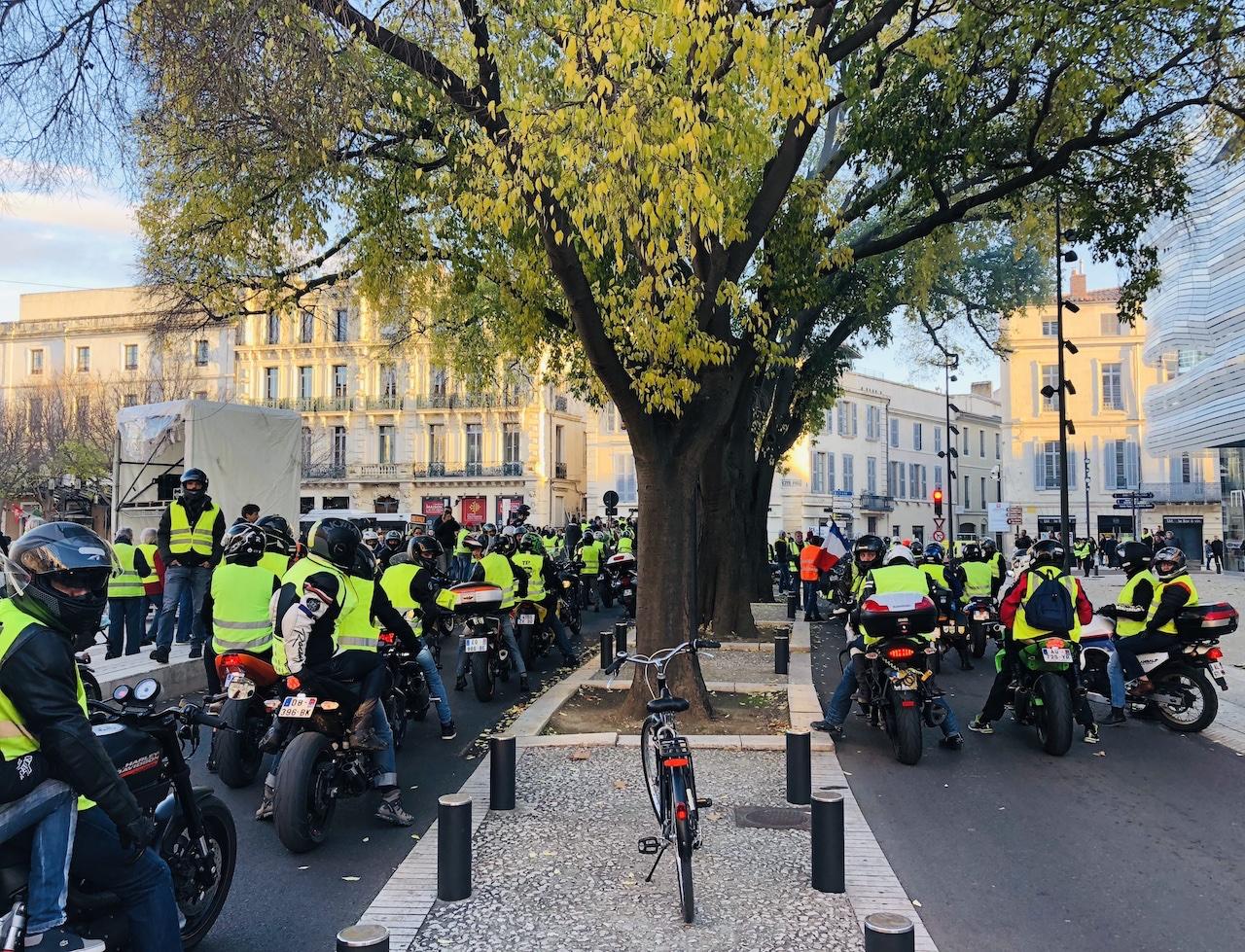 Manifestation des gilets jaunes à Nîmes, samedi 8 décembre © Schams El Ghoneimi